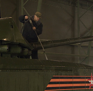 Как танки Армата готовят к параду Победы в Москве