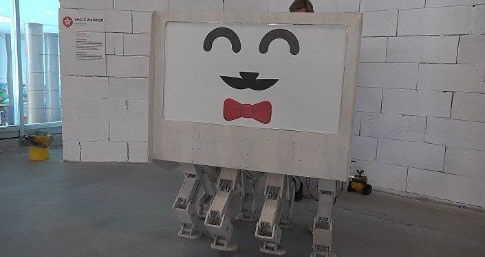 Прототип ходячего дома на выставке в Волгограде