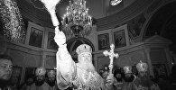 Алексий II освящает церковь в Свято-Покровском монастыре