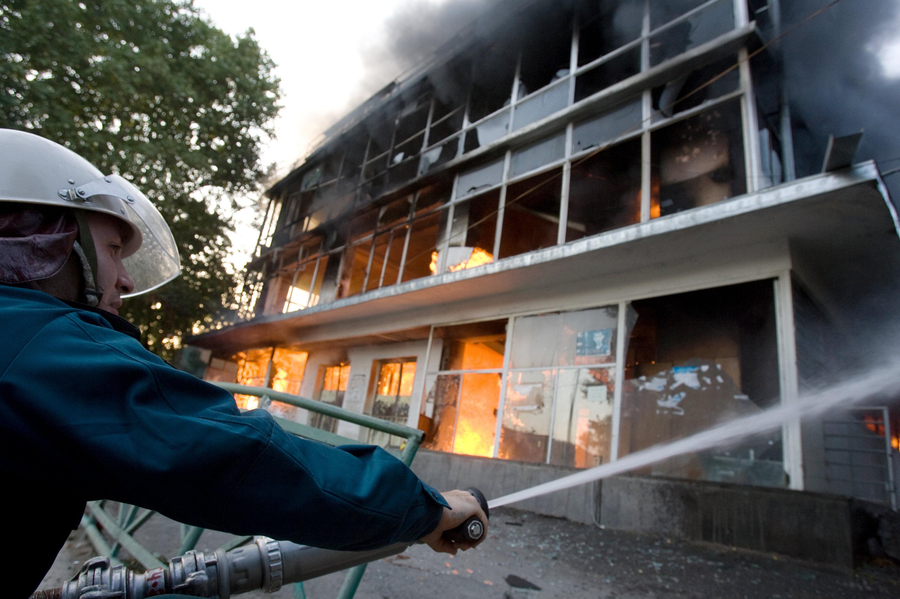 Пожар в здании центрального  универмага в августе 2008 года