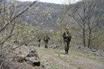 Пограничники патрулируют границу Южной Осетии с Грузией