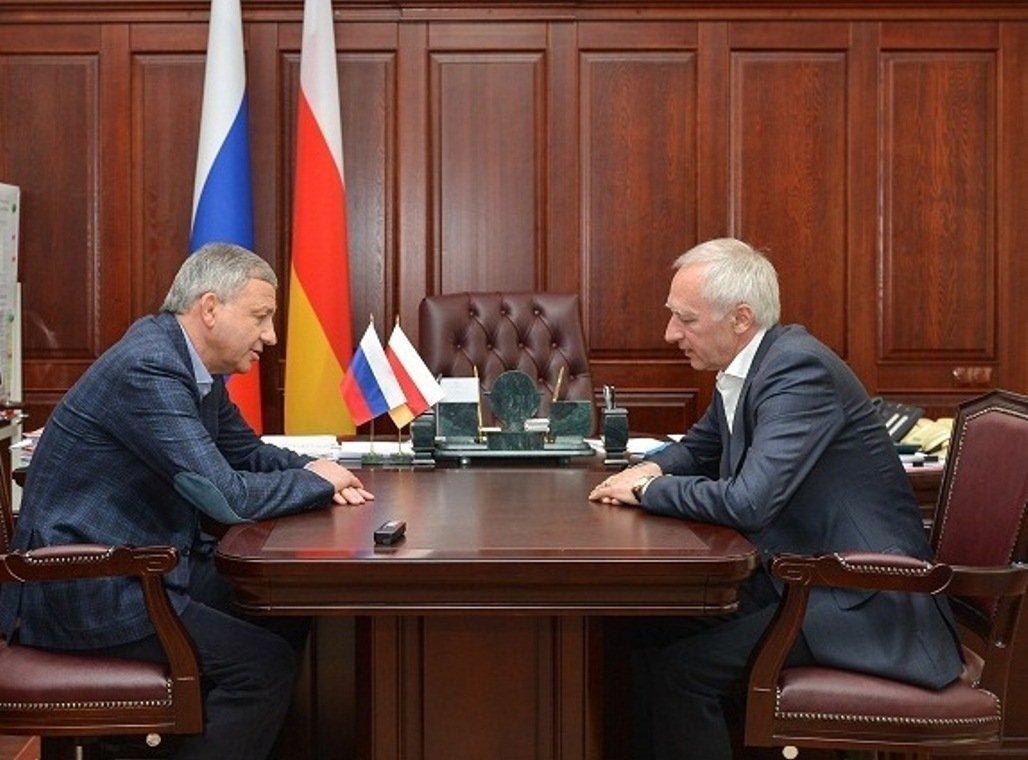 Встреча главы Северной Осетии Вячеслава Битарова с предпринимателем Владимиром Гуриевым