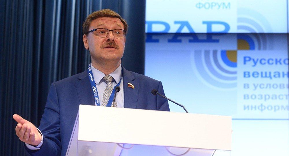 Константин Косачев выступает на третьем Международном форуме русскоязычных вещателей