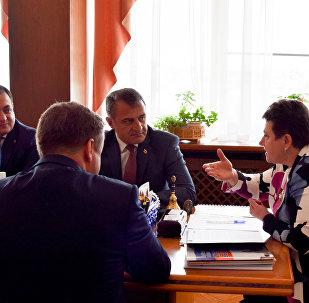 Президент Бибылты Анатолий хайад райста Владимираг экономикон форумы
