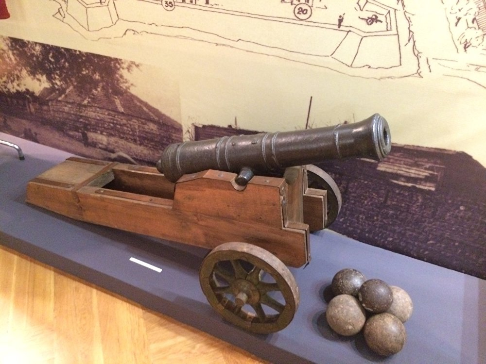 Корабельная пушка-фальконет XVIII век.