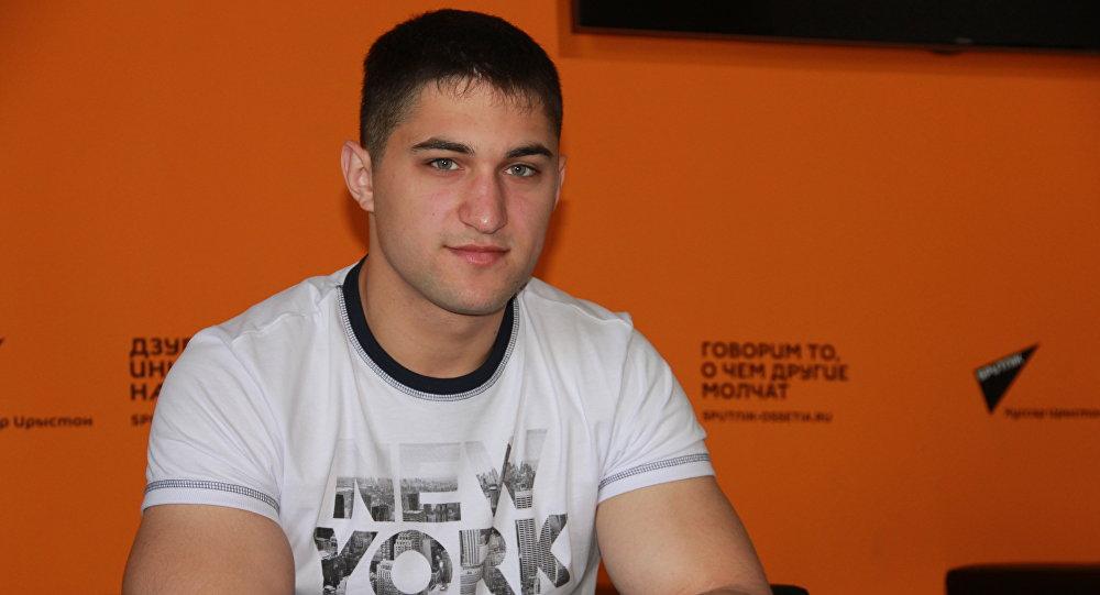 Сослан Гассиев-чемпион Европы и Мира по армлеслингу