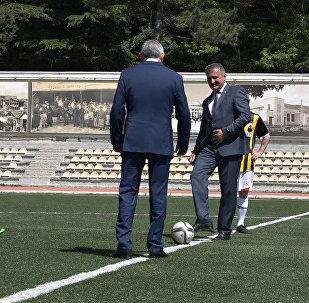Футболисты двух Осетий встретились на поле в Цхинвале