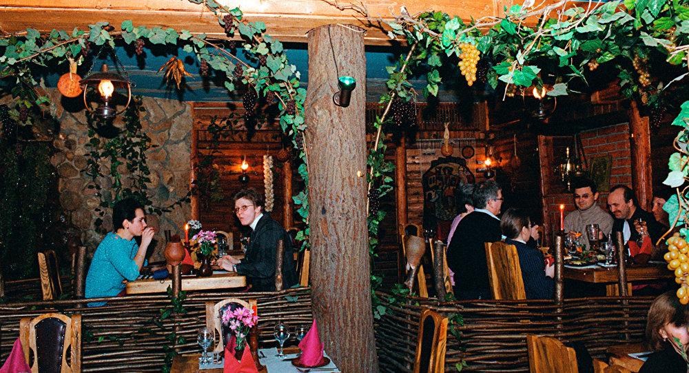 В одном из залов ресторана в Москве