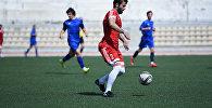Игра в футбол на цхинвальском стадионе