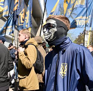 Акции радикалов у украинских филиалов Сбербанка