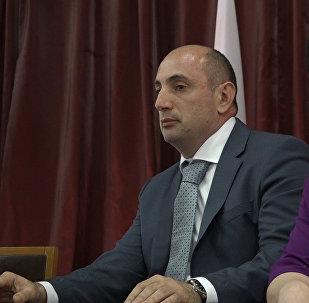 Город принял: мэрии Цхинвала представили нового градоначальника