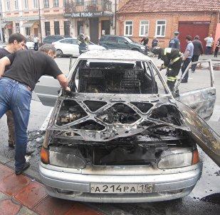 Сгоревший автомобиль во Владикавказе