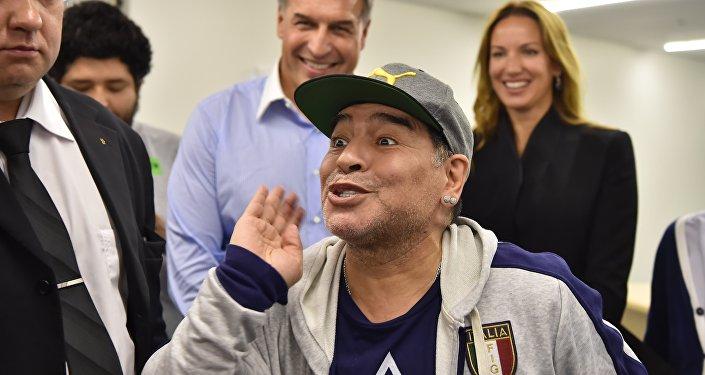 Марадона: Любому захотелосьбы стать тренером сборной Российской Федерации пофутболу