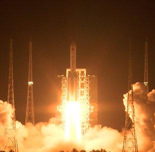 Запуск ракеты-носителя Великий поход-5 с космодрома Вэньчан