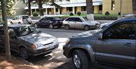 Парковка около здания правительства в Цхинвале