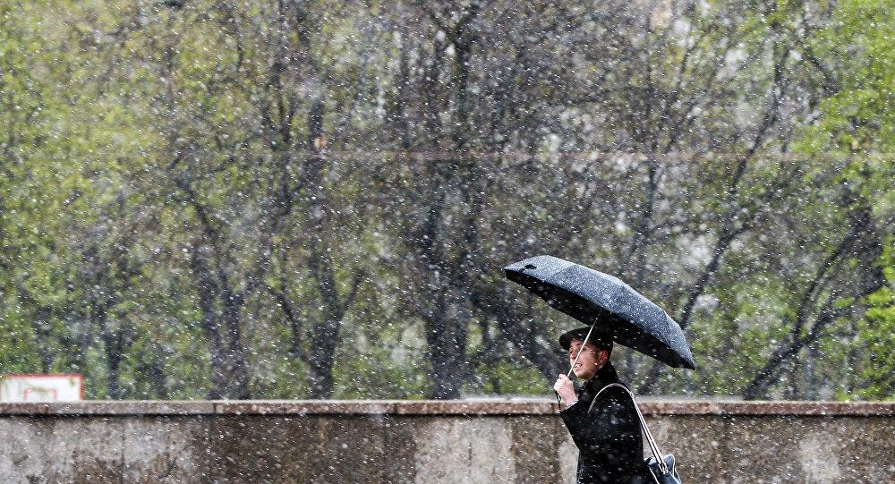Майский снегопад в Москве