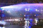 Полиция водометами разгоняла нарушителей порядка в Гамбурге