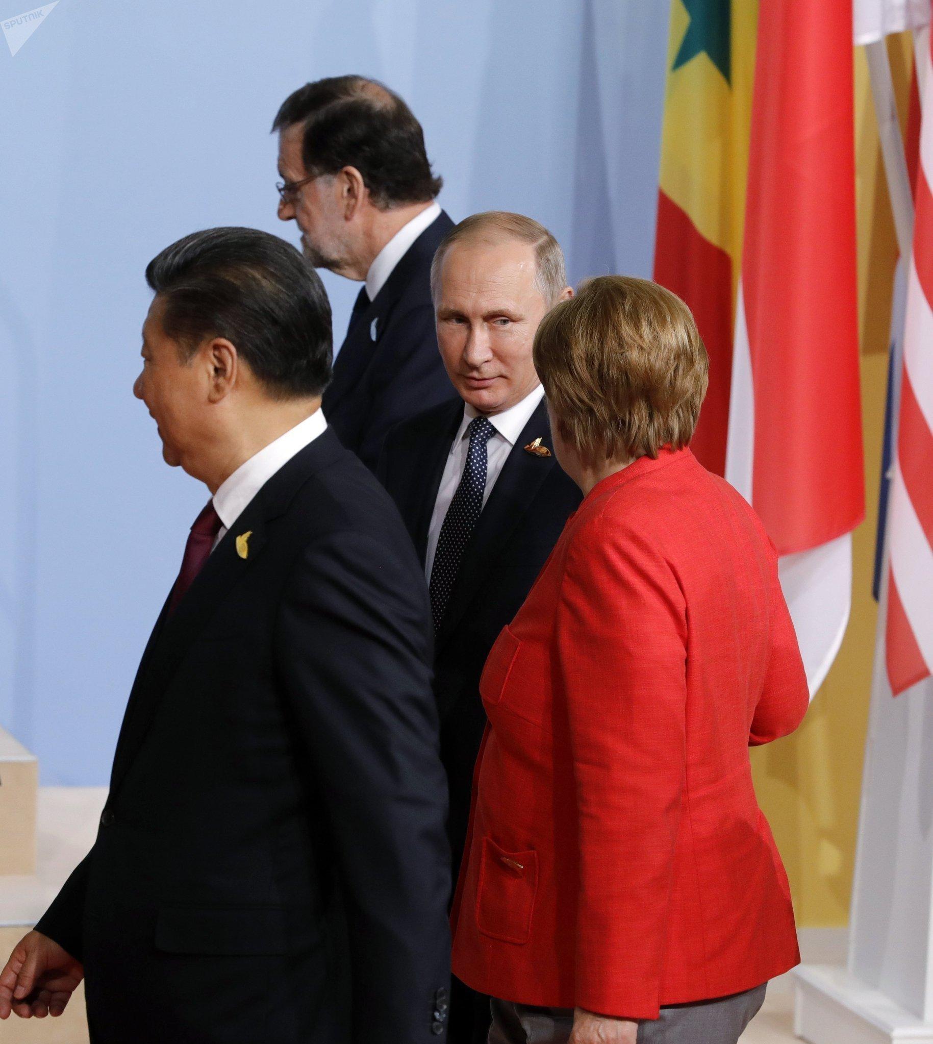 Президент РФ Владимир Путин на церемонии совместного фотографирования глав делегаций государств-участников Группы двадцати G20