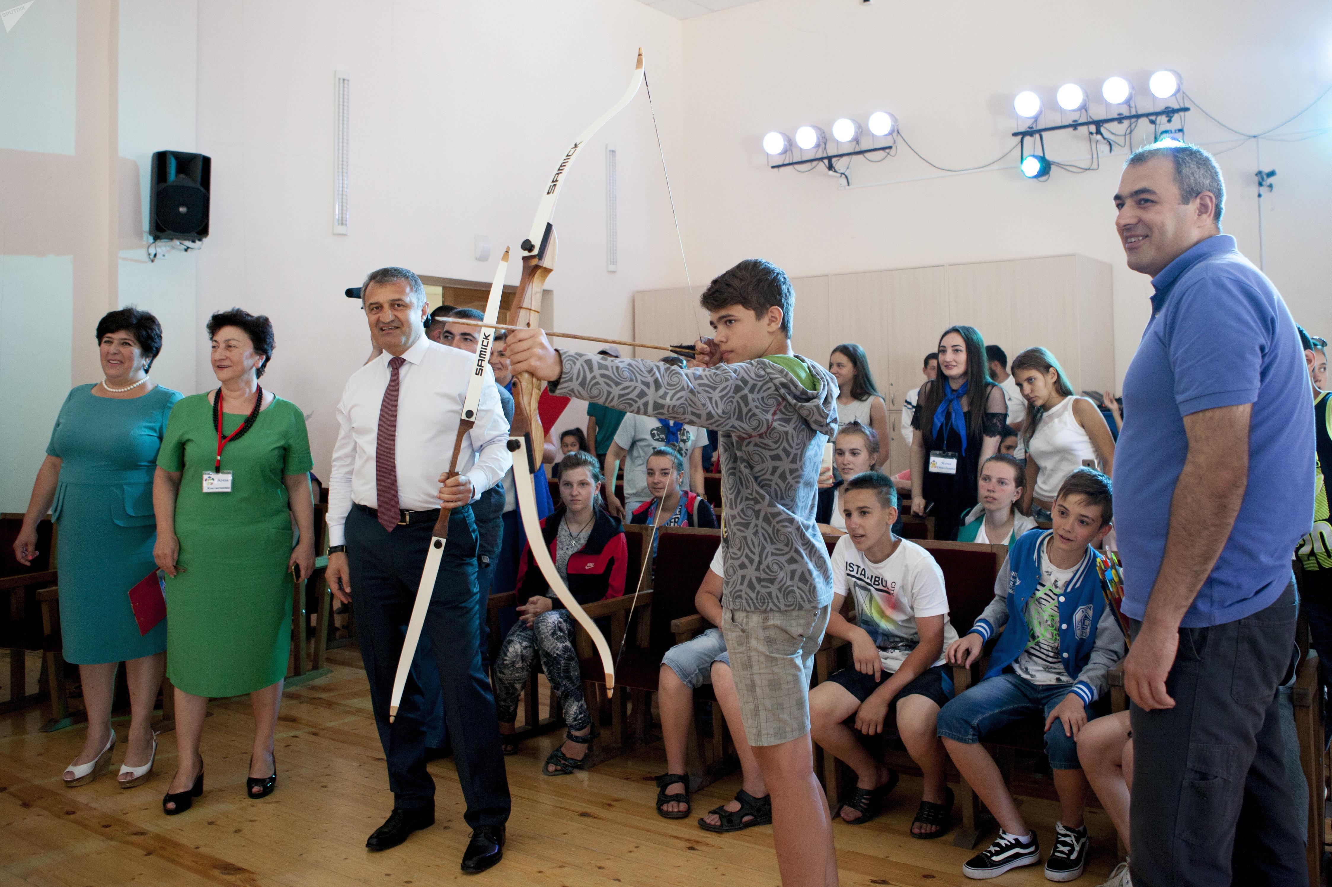 Дети из Донецка