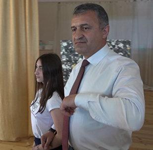 Хуссар Ирыстоны президент æрсимдта Донецкы сывæллæттимæ