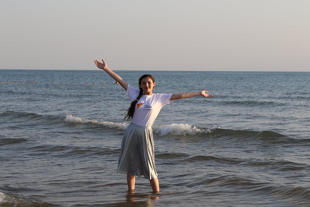 Арина Габараева в детском лагере Орленок
