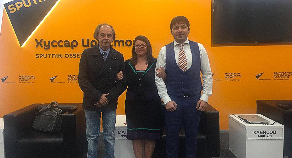 Мауро Муррджа, Франческа Матачена, Сармат Кабисов