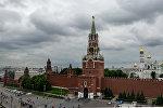 Вид на Спасскую башню в Москве