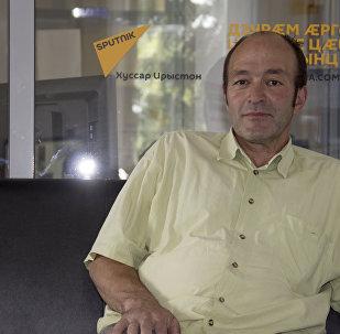 Алан Парастаев