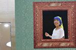 Посетители музея в Японии переодеваются в персонажей картин