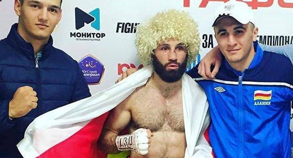 Боксер Асланбек Козаев