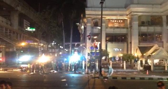 СПУТНИК_Теракт в Таиланде: полиция оцепила место взрыва бомбы в центре Бангкока