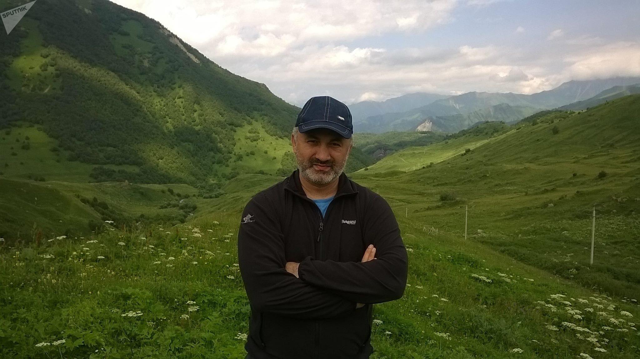 Роберт Цховребов