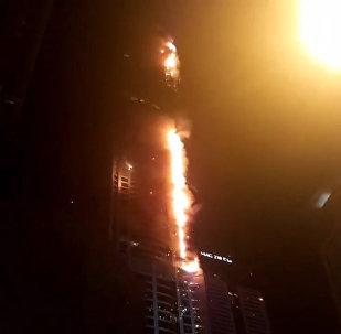 Кадры пожара в дубайской высотке