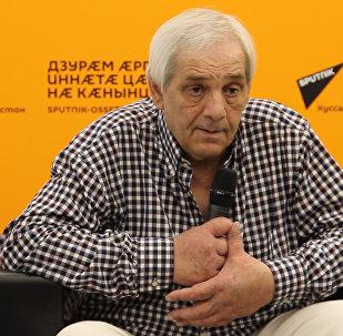 Айвар Бестаев о войне 2008 года: оперировали в подвале на письменных столах