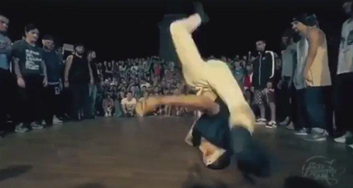 Цæгатирыстойнаг кафæг исы хайад шоу Танцы-йы кастингы ТНТ каналыл