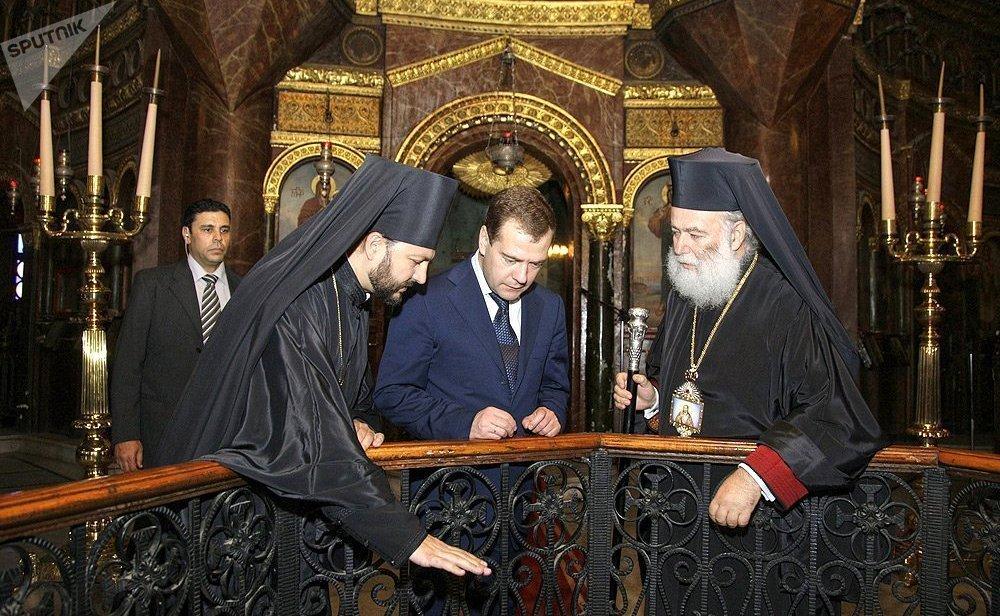 С Дмитрием Медведевым и Патриархом Александрийским и всей Африки Феодором II в Каире