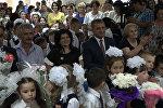 Бибилов в Кударском ущелье: как президент поздравлял школьников Квайса