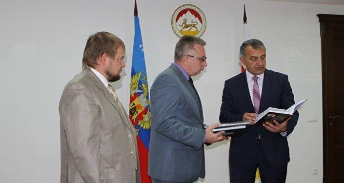 Встреча с делегацией ЛНР