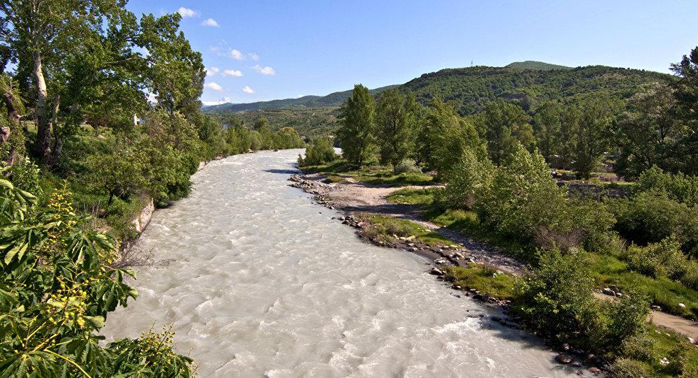 Река Большая Лиахва в Цхинвале