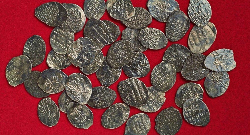 клад из 41 монеты первой половины XVII века