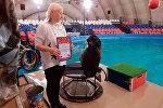 В Петербурге полиция наградила морского котика, поймавшего нарушителя
