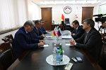 Встреча президента Южной Осетии Анатолия Бибилова с главой управления АП РФ Олегом Говоруном