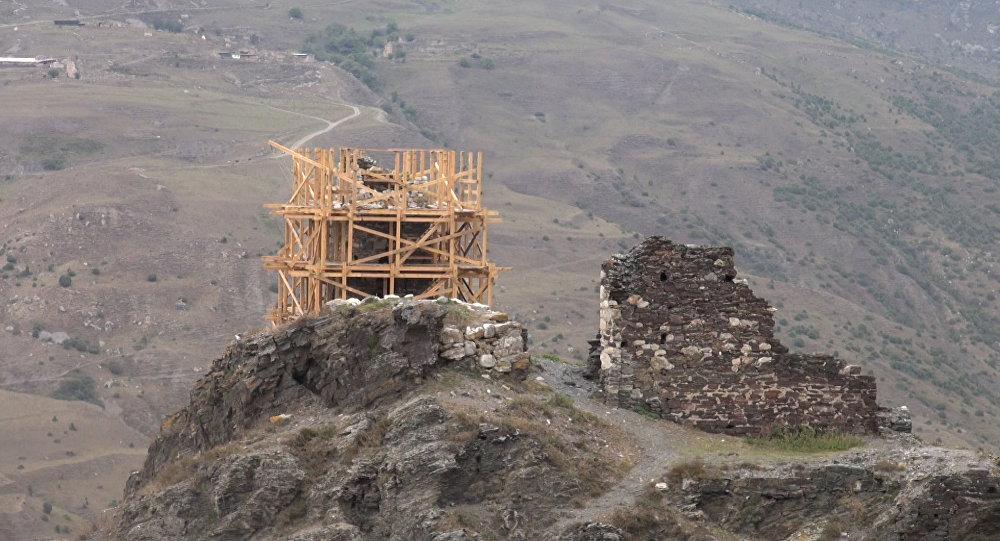 Готовятся восстанавливать башню КуртА и ТагА