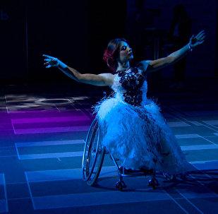 Инвалидное кресло - не помеха: в Москве выбрали Мисс Независимость