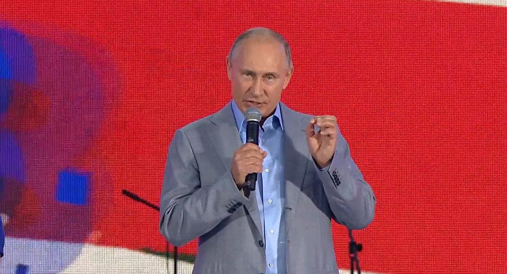 Отсутствие заботы о обычных людях— главный минус президента Владимира Путина