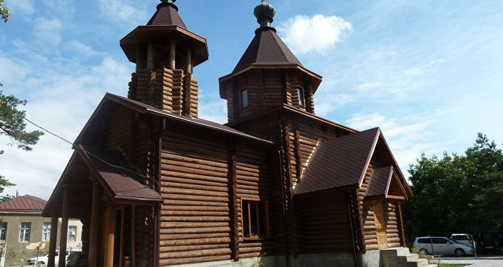 Храм Успения Божьей Матери в поселке Знаур