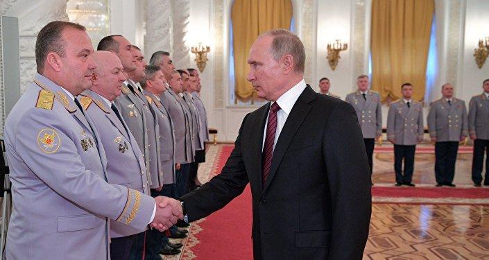 Президент РФ В. Путин встретился с высшими офицерами в Кремле