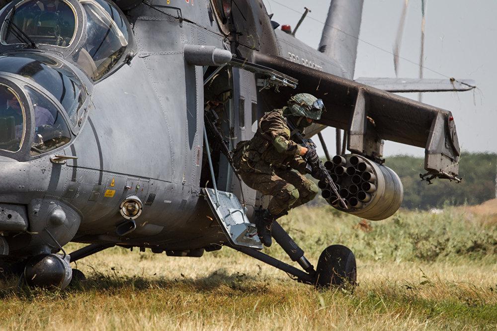 Учебно-тренировочные полеты вертолёта Ми-35М в Краснодарском крае