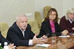 Встреча президента РЮО Анатолия Бибилова с Сергеем Никоненко