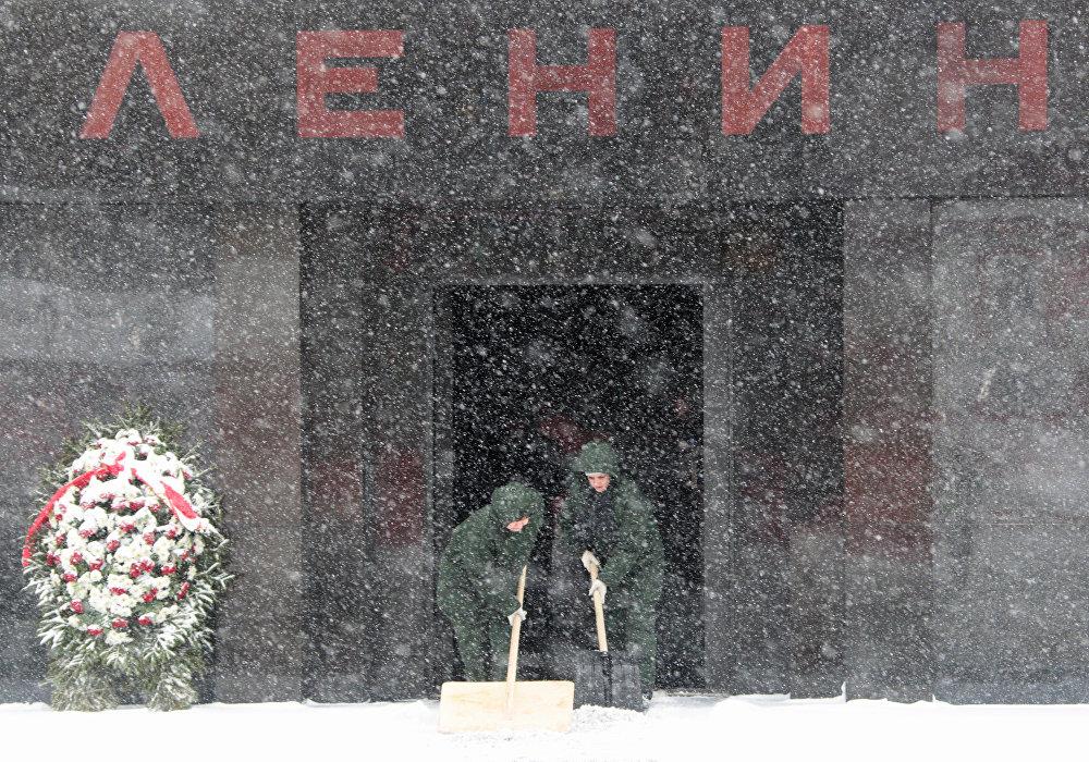 Мавзолей В. Ленина на Красной площади